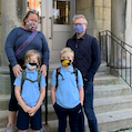 parents-kids-wearingmask