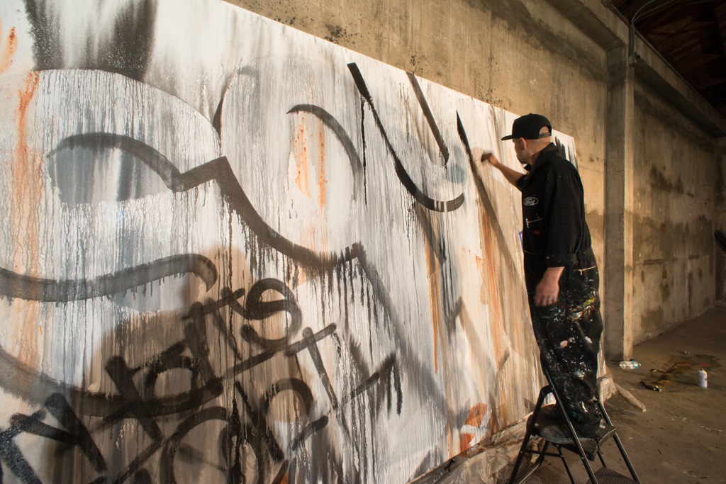 artist Joe Prime Reza in action