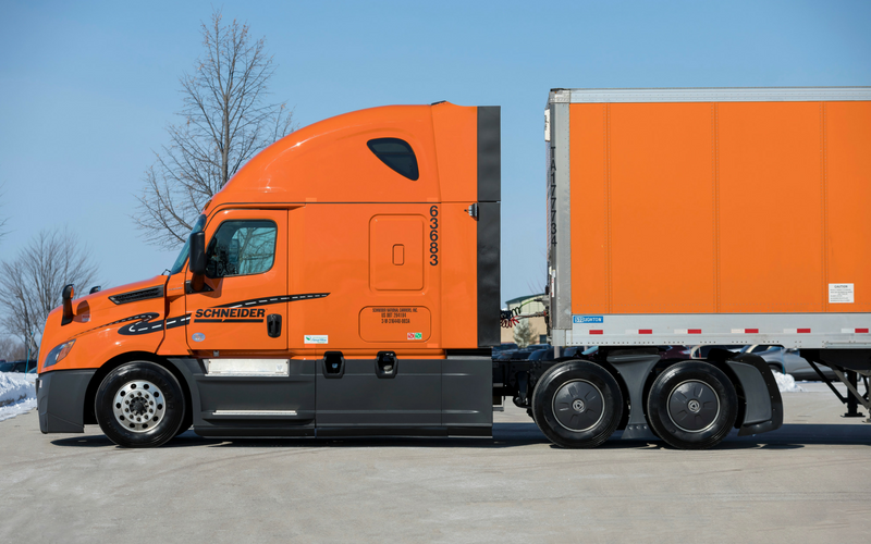Freightliner Cascadia P4 Side View