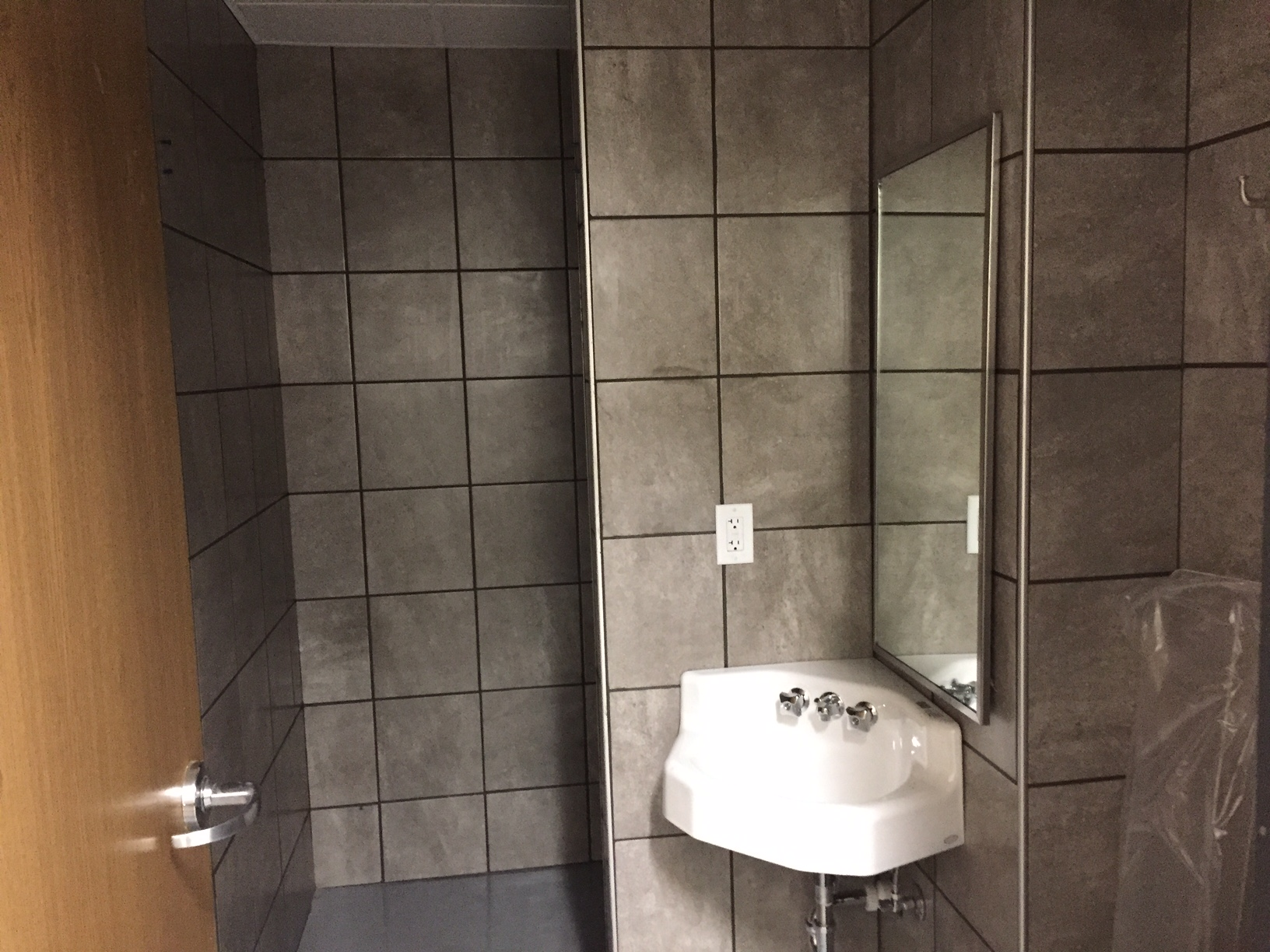 Schneider Phoenix Facility Shower