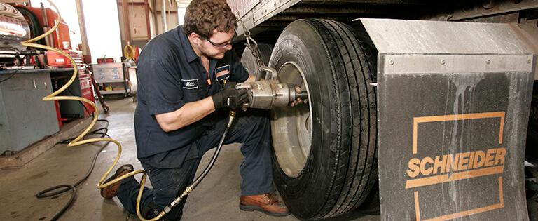 Schneider Diesel Mechanic Benefits